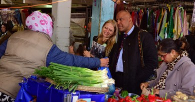 Sian Berry and Shahrar Ali at Queens Road market